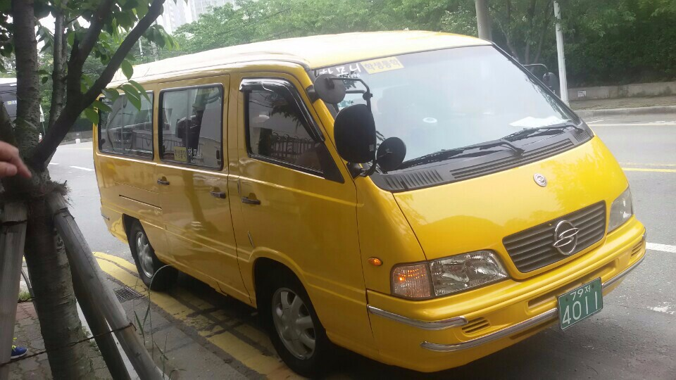 SSANGYONG/ISTANA 15 SEATS-2002 YEAR