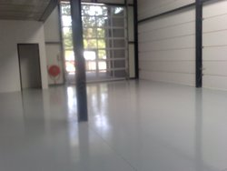 self-levelling chemical resistant 2K epoxy floor paint