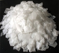 Caustic soda 99% sodium hydroxide pearls / flakes price