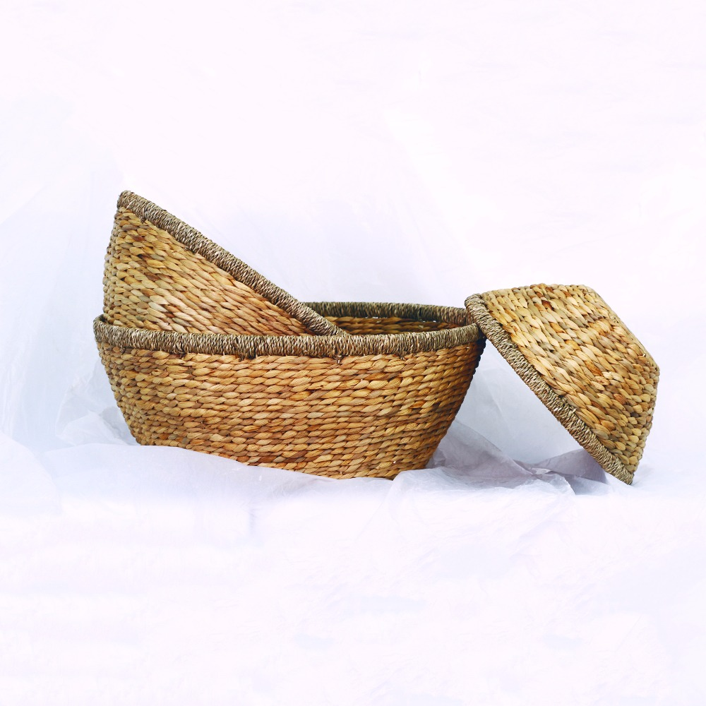 Cheap handwoven colorful seagrass rattan oval bread basket for home