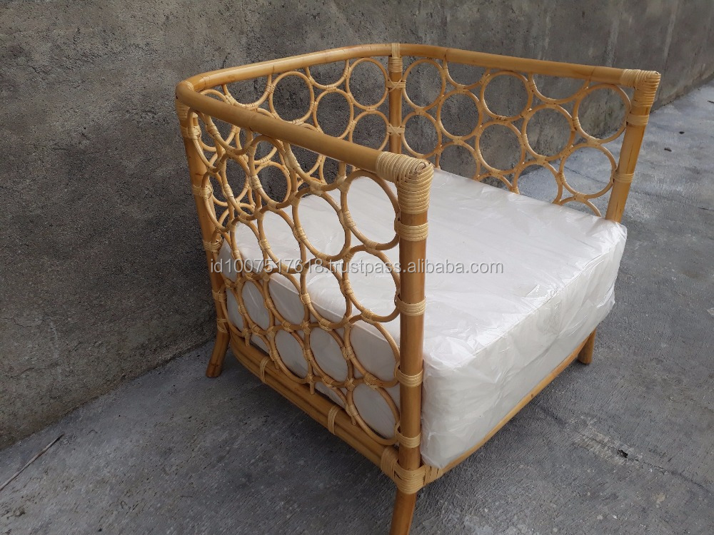 ROUNDS RATTAN ARM CHAIR