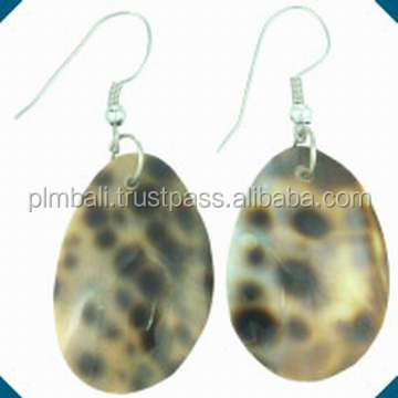 NER-008-Dotted Shell earrings