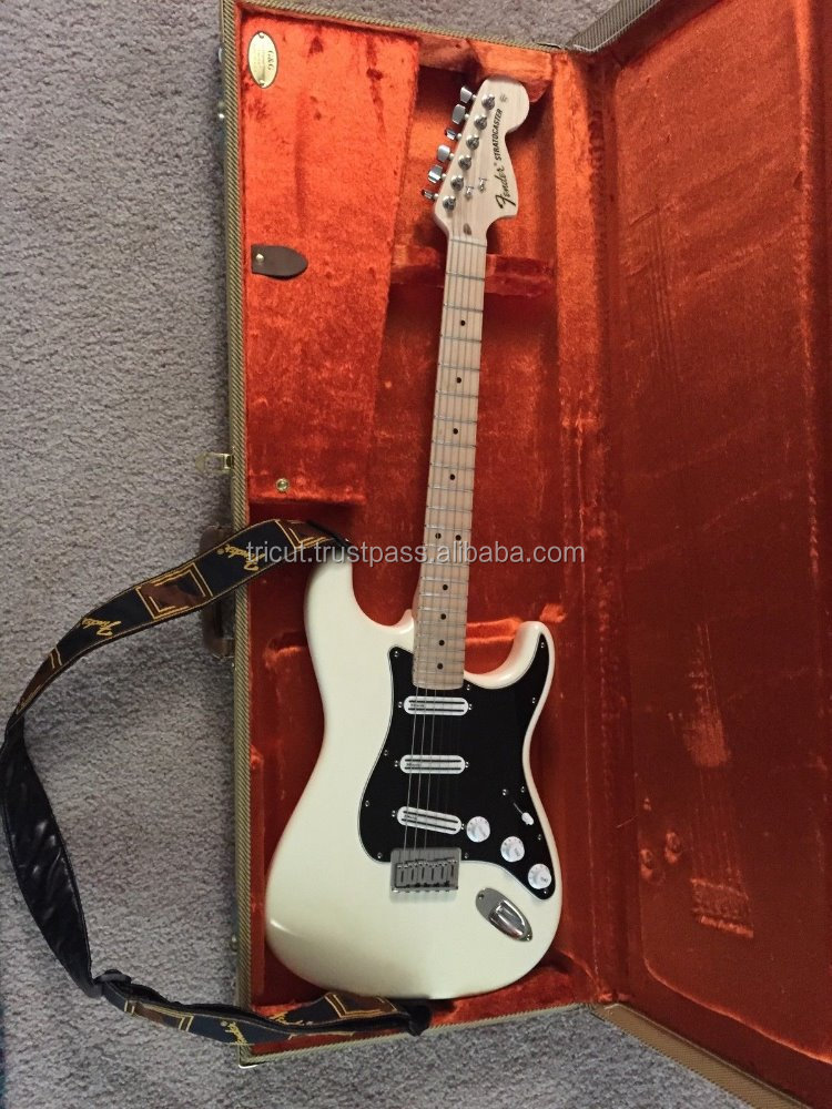 Fender Billy Corgan Signature Stratocaster with Tweed Case