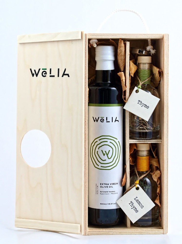 WeLIA Extra Virgin Olive Oil Gift Wooden Box with Thyme & Lemon thyme