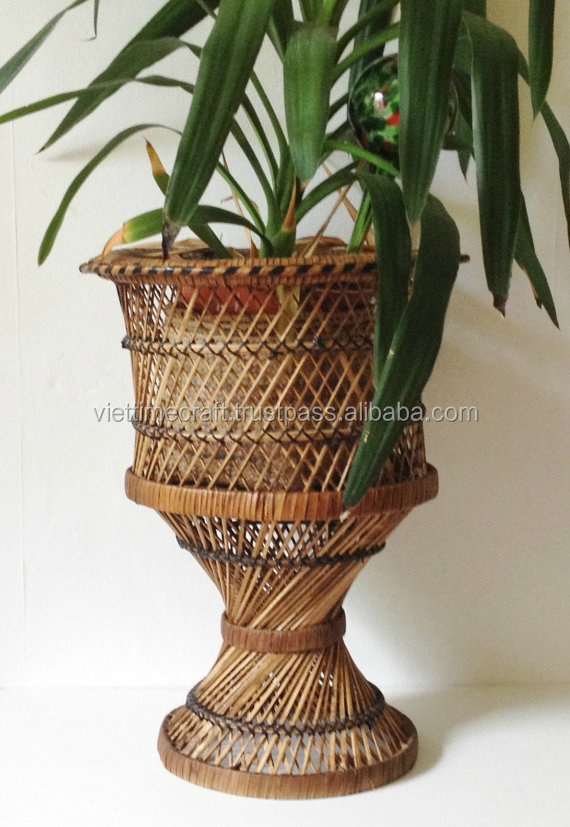 Eco friendly Vintage wicker rattan plant stands for garden decoration