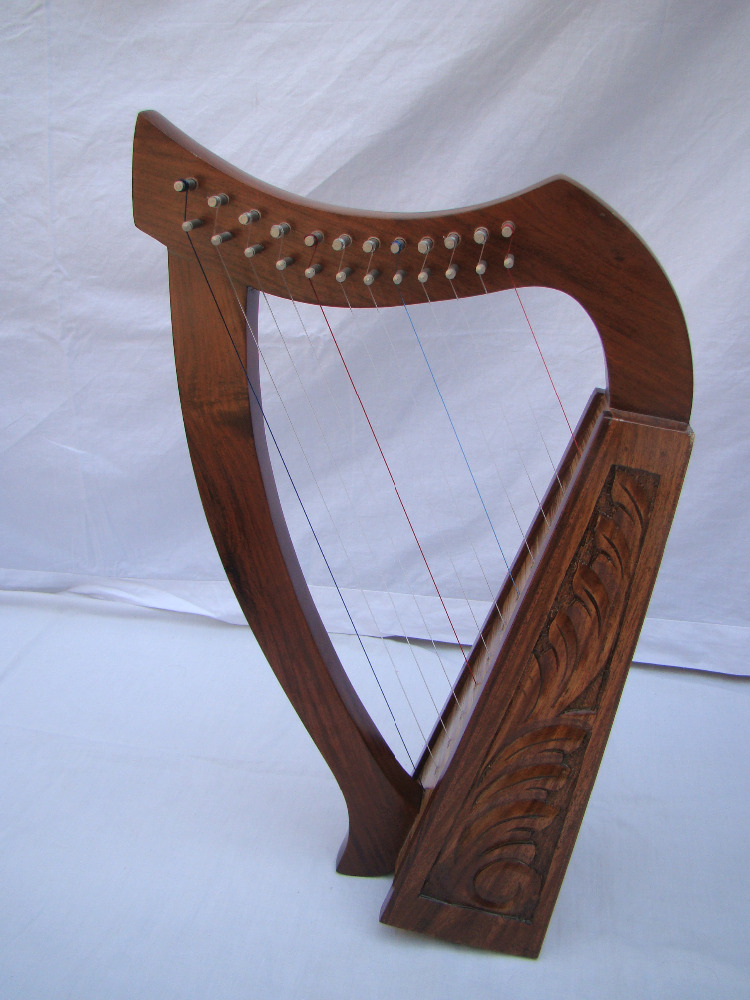 12 String Irish Harp With Carrying Bag & Tuning Key