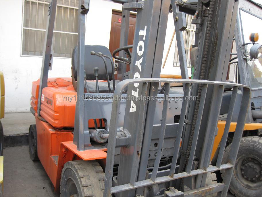 Factory price used Toyota forklift 2.5ton 7FD25,used diesel 2.5ton forklift truck Toyota 7FD25