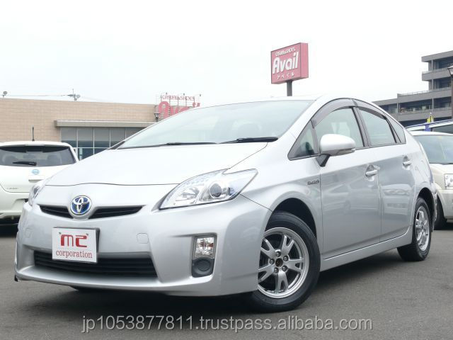 Popular and Good looking toyota for sale toyota hybride prius 2010 used car with Good Condition made in Japan