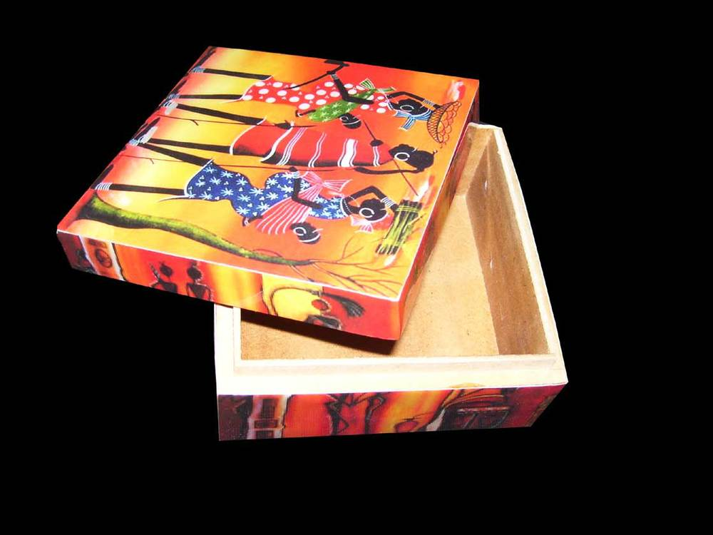 MEN WOMAN URBAN DIGITAL PRINT WOODEN BOX
