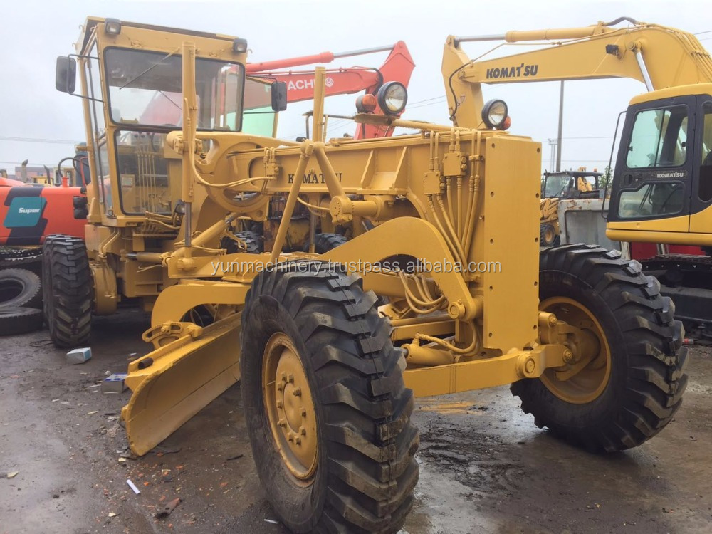 Used Komatsu GD661 motor grader with good condition and price
