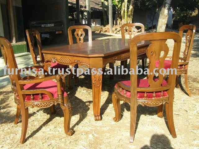 clasic dinning table and chair
