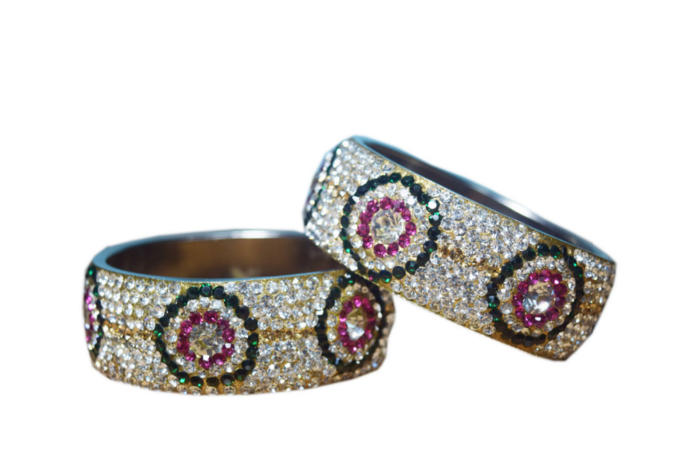 JaypurStore | Dulhan 9 Line Brass Bangles Set With Whie Stone