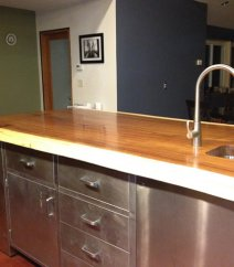 LIVE EDGE WOOD COUNTERTOPS