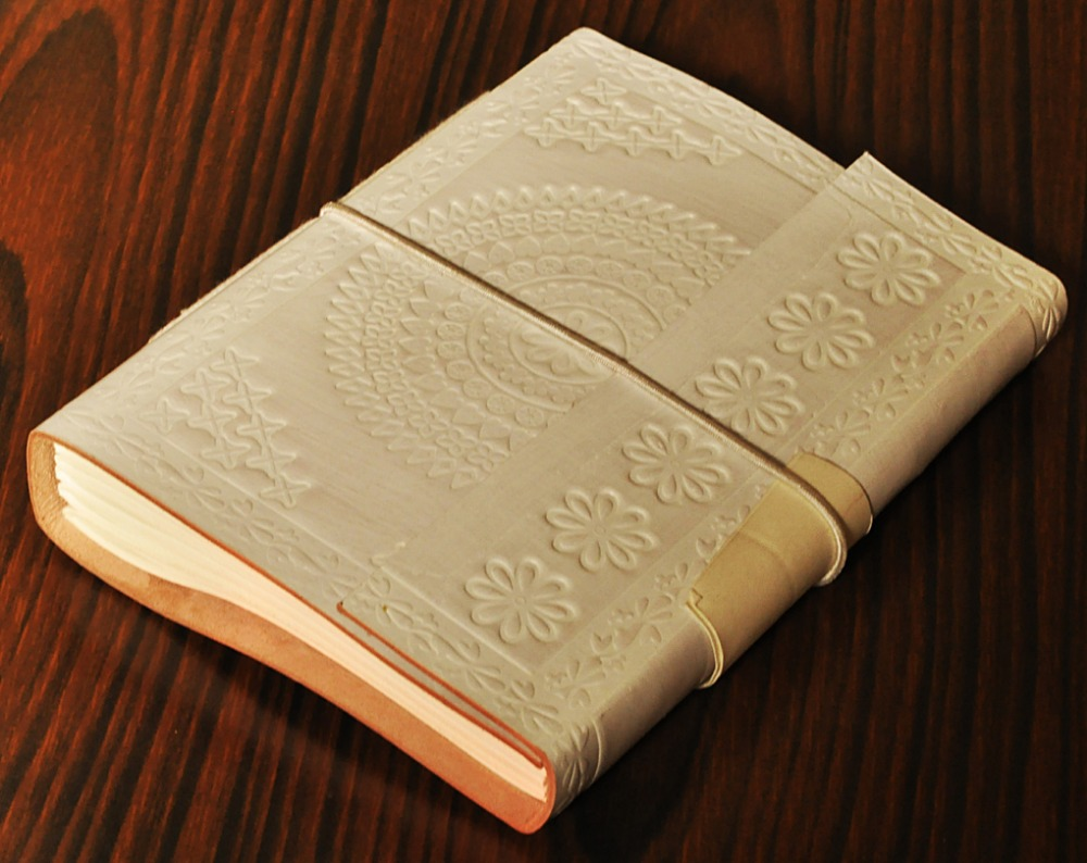 Wholesale White Color Handmade Canvas Notebook and Diary