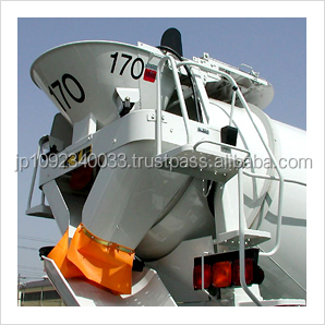 Durable silver sheet hopper covers for self loading concrete mixer