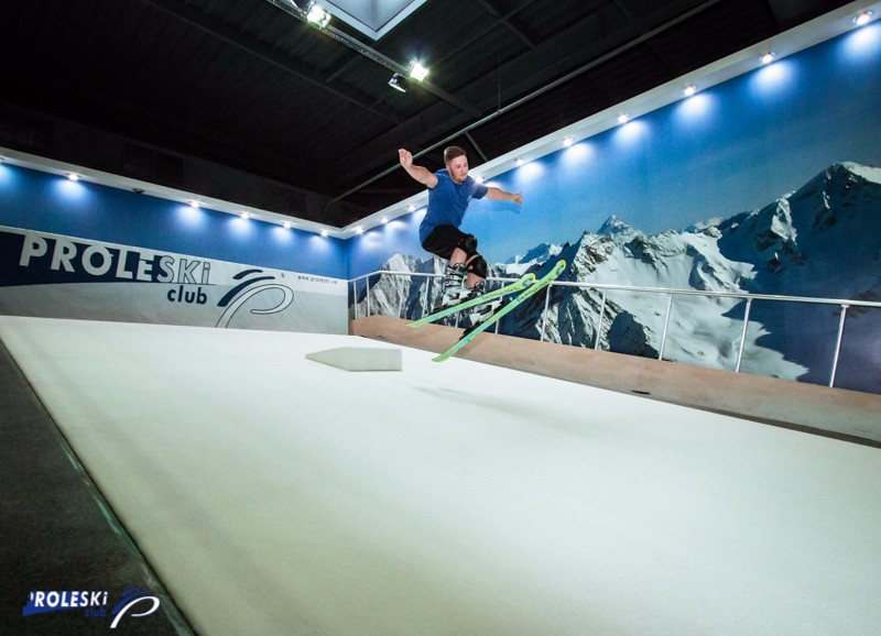 Buy in Slovenia Infinite snow dry slope Ski and snowboard on revolving slopes Proleski alpine indoor simulator for body training