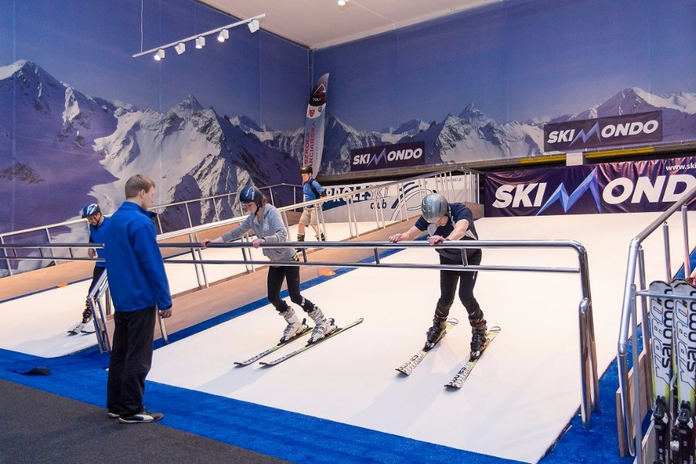 Buy in UAE Proleski indoor winter skiing and snowboarding simulator Fun indoor body training machines Endless dry ski slopes