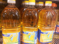 Refined corn oil for cooking and frying,,,,,, low prices for you...