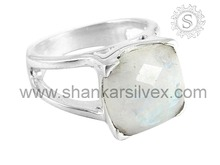 Perfect Rainbow Moonstone Gemstone Silver Jewellery Wholesale Collection Of Indian Silver Ring Supplier RNCT2002-7