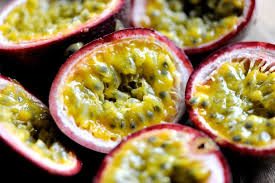 HIGH QUALITY PASSION FRUITS / FROZEN, FRESH AND DRIED AVAILABLE!!.
