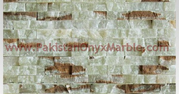 onyx-natural-split-face-stone-mosaic-tiles-green-white-red-03.jpg
