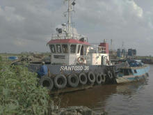 "TUG Boat Set Flat Top Barge 230"" Year made 2012"