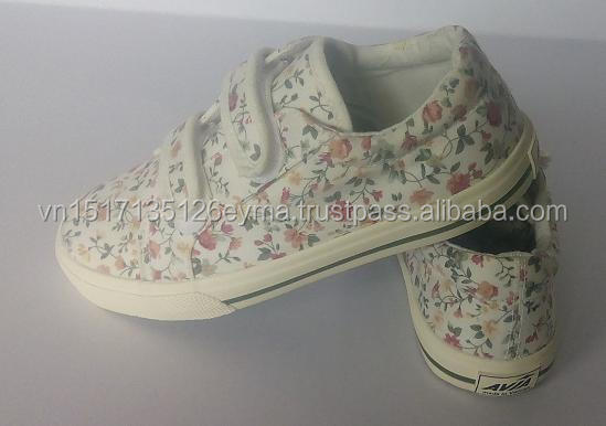 baby beautiful canvas shoes