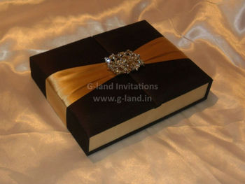 Gatefold Silk wedding invitation box with ribbon and buckles sweet space available