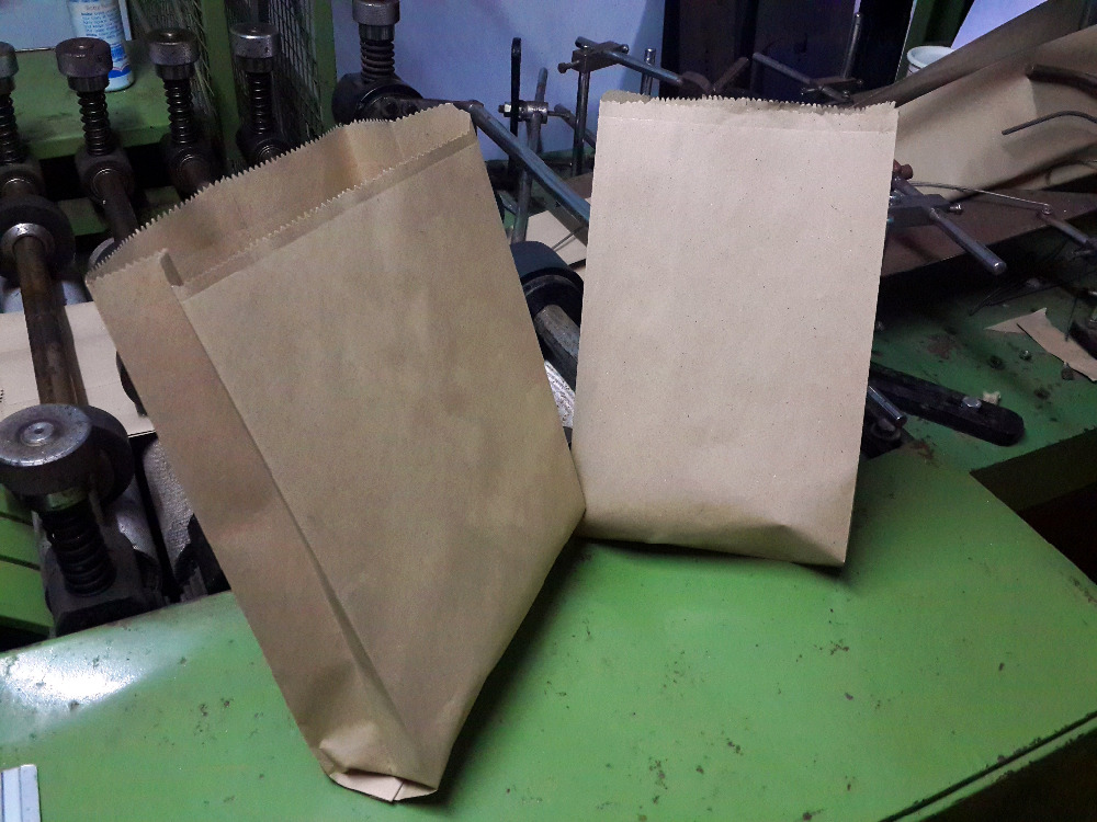 Recycled kraft paper take-away bags