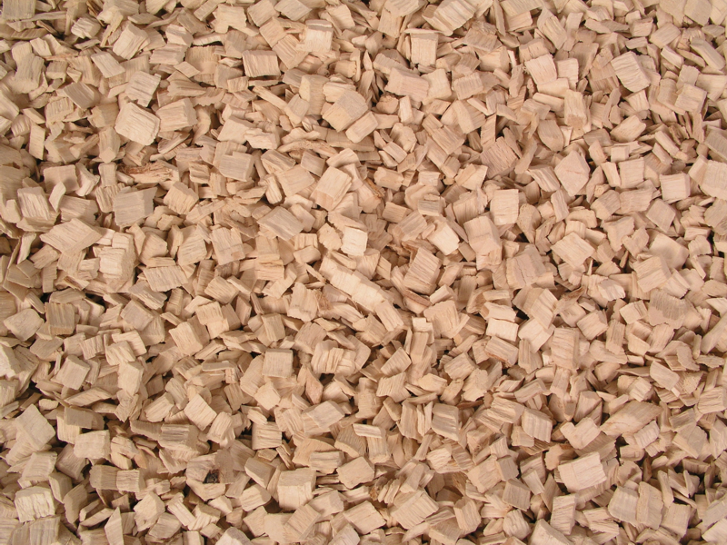 Pine wood chips, Eucalyptus wood chips
