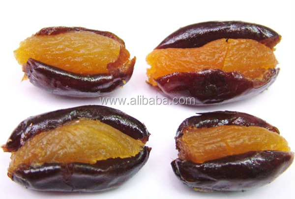 Gift Package Dates Stuffed with Dried Fruits like Mango , Papaya , Apricot other Tropical Fruits )