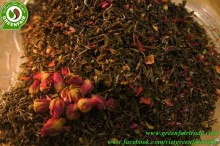 Vietnamese Shan green tea with rose petals