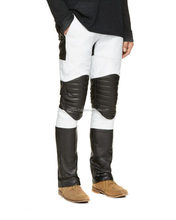 Buy color block leather pants online this season and set your fashionable foot forward. This gorgeous pair with quilted reinforc