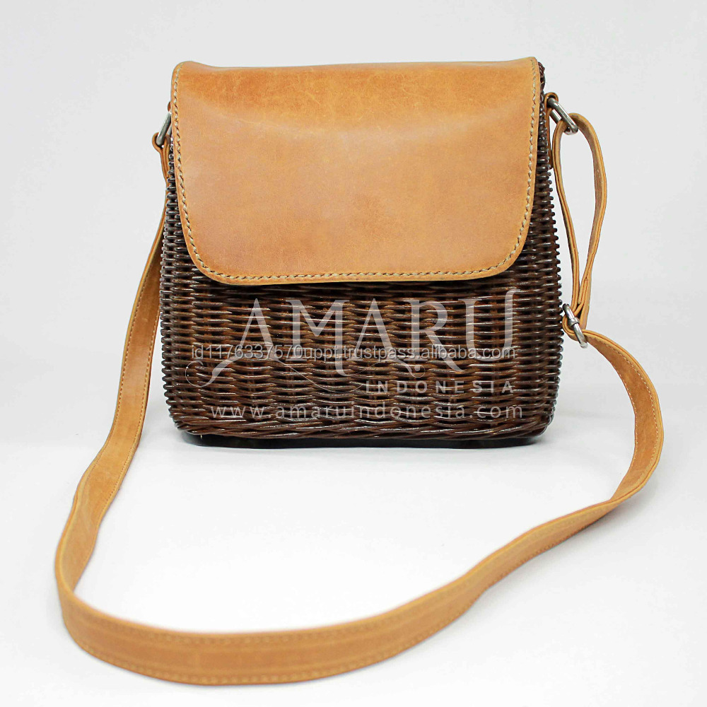 Premium shoulder women bag made of rattan and genuine leather