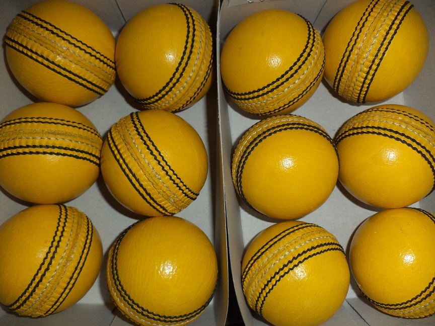 Cricket hard balls indoor cricket balls in whole sale price