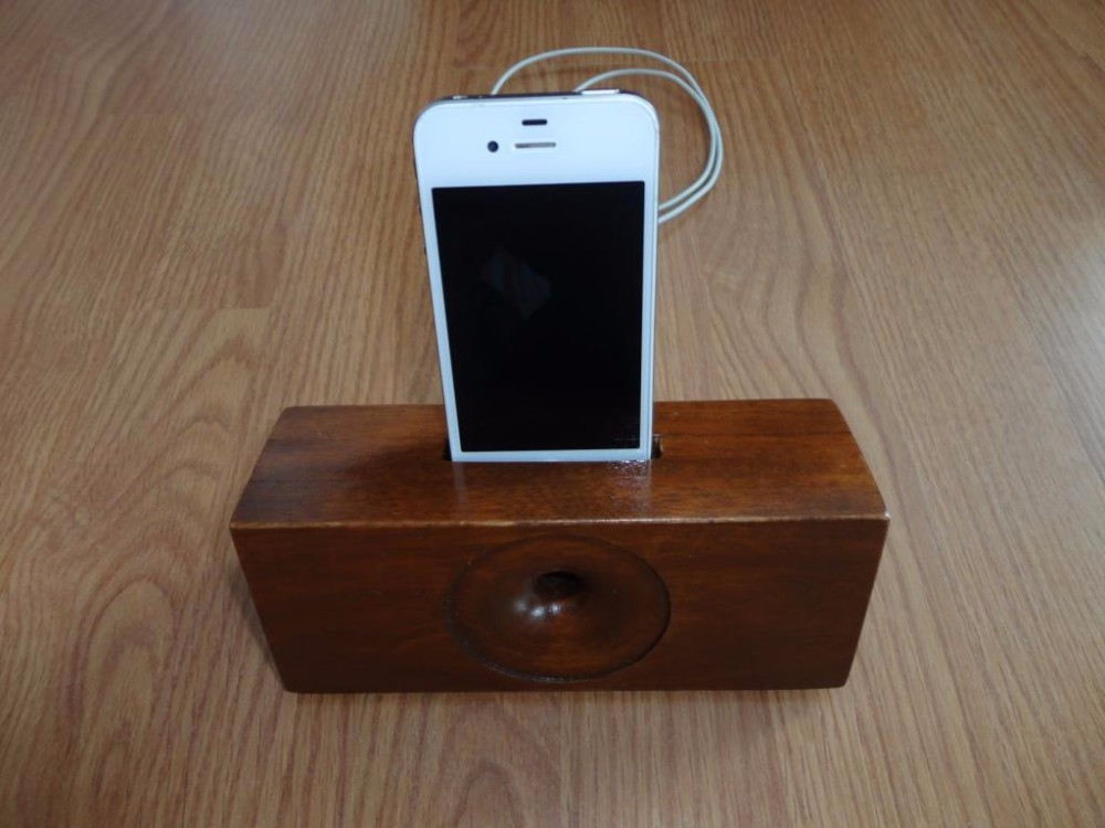 Speaker wooden smart phone amplifier/ dock accessory