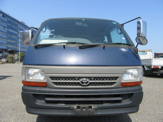Reliable and High quality toyota hiace van petrol used at reasonable prices