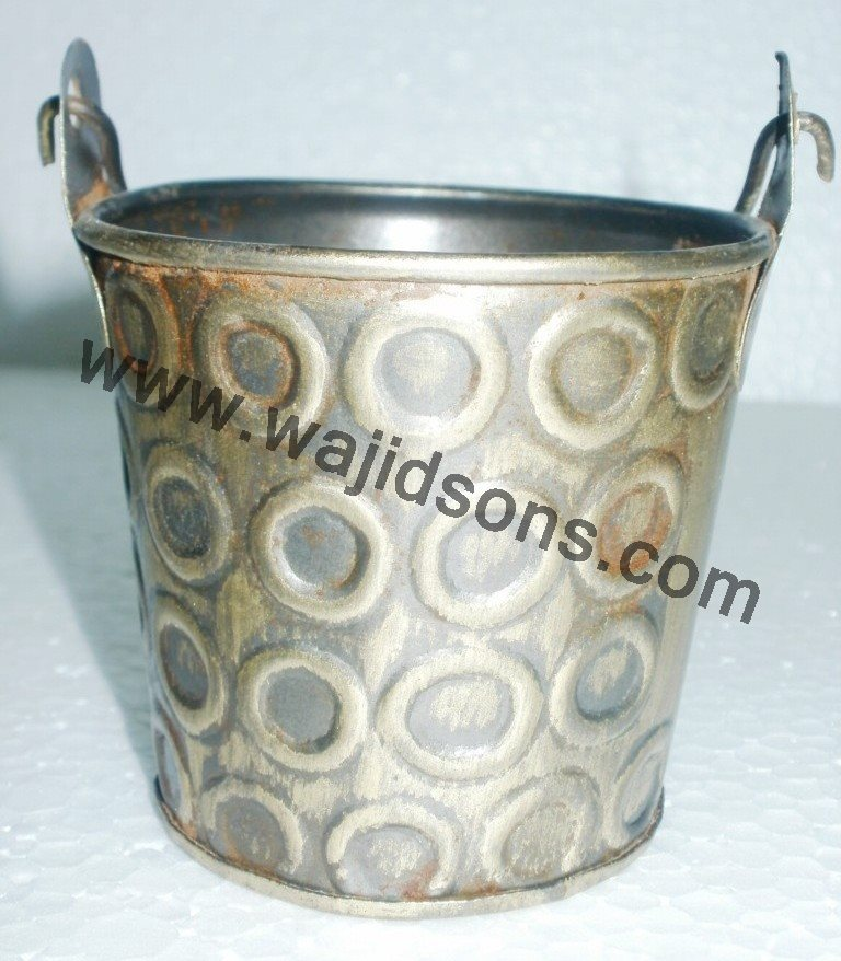 large square base planter for sale | galvanized basket shape planter for sale | garden used planter