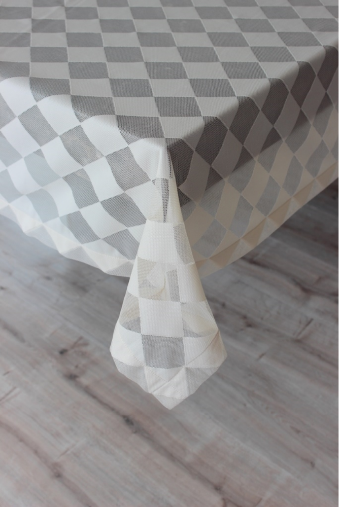 Luxury Cream Tattersall Rectangle Table Cloth 160x220 cm