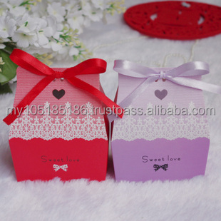 Sweet Forest Love Cottage Favors Candy Box (with Ribbon, several colors)