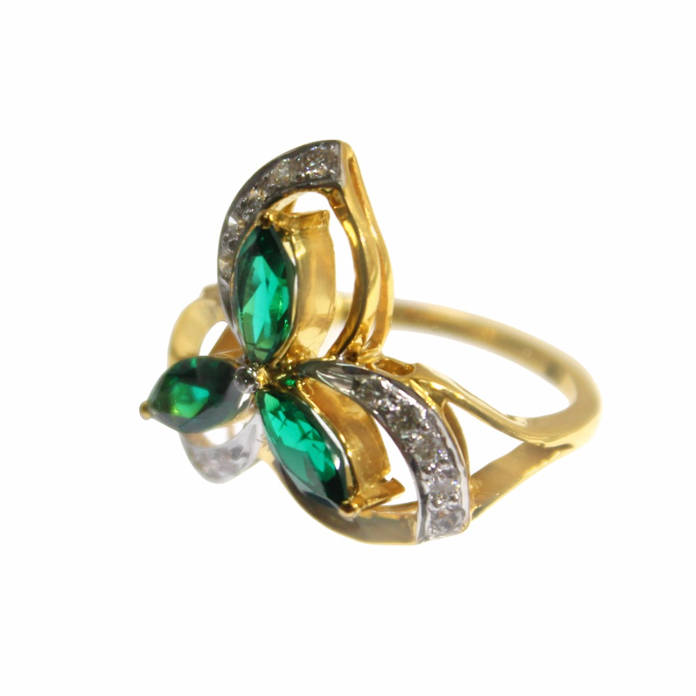 Amazing Designer 18 Kt Yellow Gold Lab Created Emerald With Real Luxury Diamond Ring