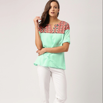 Ladies Blouses & Tops Round Neck Short Sleeved Layered Top with Geometric Prints Casual Woman Tops