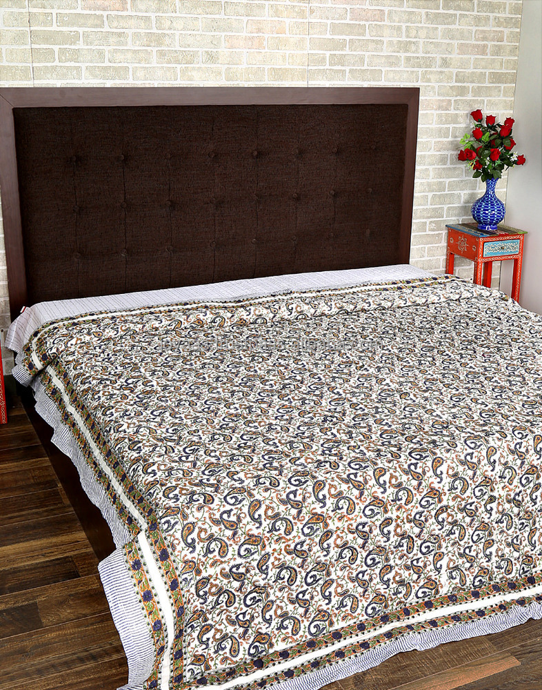 Latest Design White And Rust Double Bed Paisley Printed Cotton Quilt
