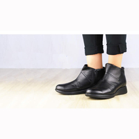 Easily and walk freely clear boots for alleviate foot problems
