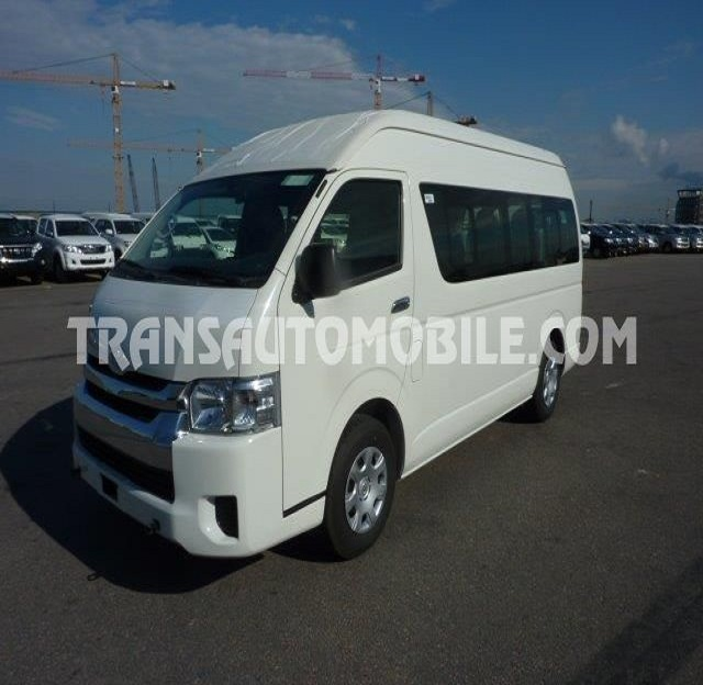 TOYOTA HIACE HIGH ROOF / TOIT HAUT TURBO DIESEL 15 SEATS (2018) ref. 2116