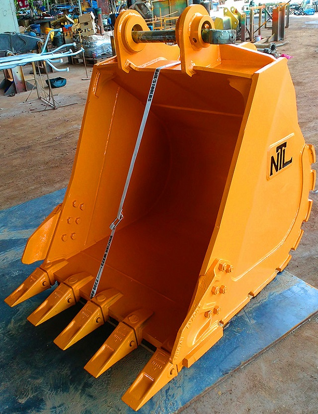 Heavy Duty Quality Assured Excavator GP Bucket Made in Malaysia