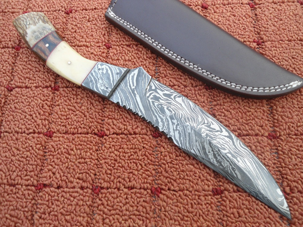 "DAMASCUS STEEL HUNTING KNIFE "" bone.wood stag """