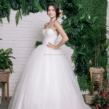 Lace and Pearls Embroidered Wedding Dress/ Sweetheart Tulle Bridal Ball Gown