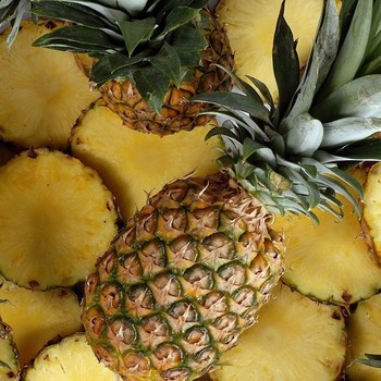HIGH QUALITY FRESH PINEAPPLE FROM VIETNAM PRICE $490.99 PER TON