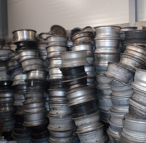 bulk Aluminium Alloy Wheels Scrap (Clean/Shredded) WELL SORTED for sale